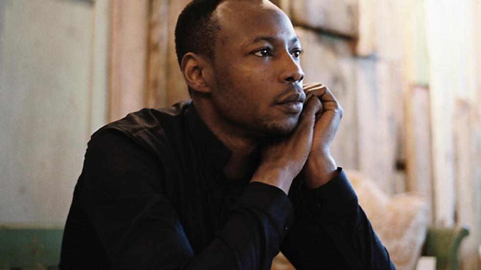 http://scd.musique.rfi.fr/sites/default/files/styles/large_normal_982x552/public/thumbnails/image/mc_solaar_2007c2a9warner_10.jpg?itok=RNbK03qi&timestamp=1469024813